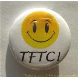 TFTC 3D Smiley White Geocaching Button
